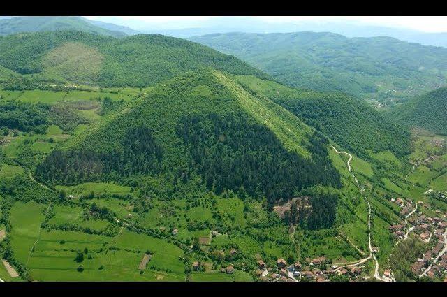 Bosna'daki Visoko Piramitleri | 12 Bin Yıllık Olduğu İddia Edilen Yapı